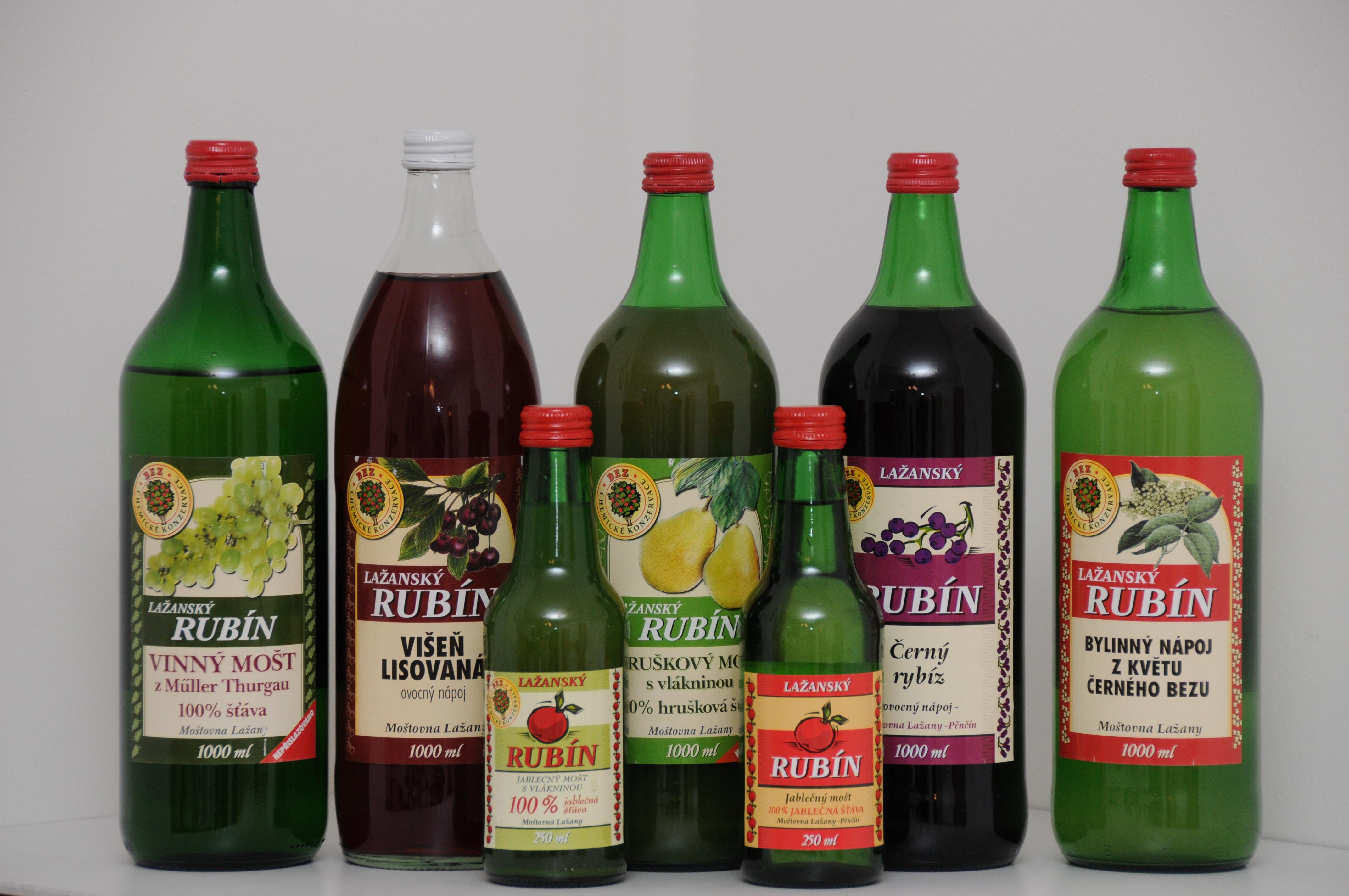 Mošty z Moštovny Lažany, výrobny nápojů, spol.s.r.o., obrázek se otevře v novém okně
